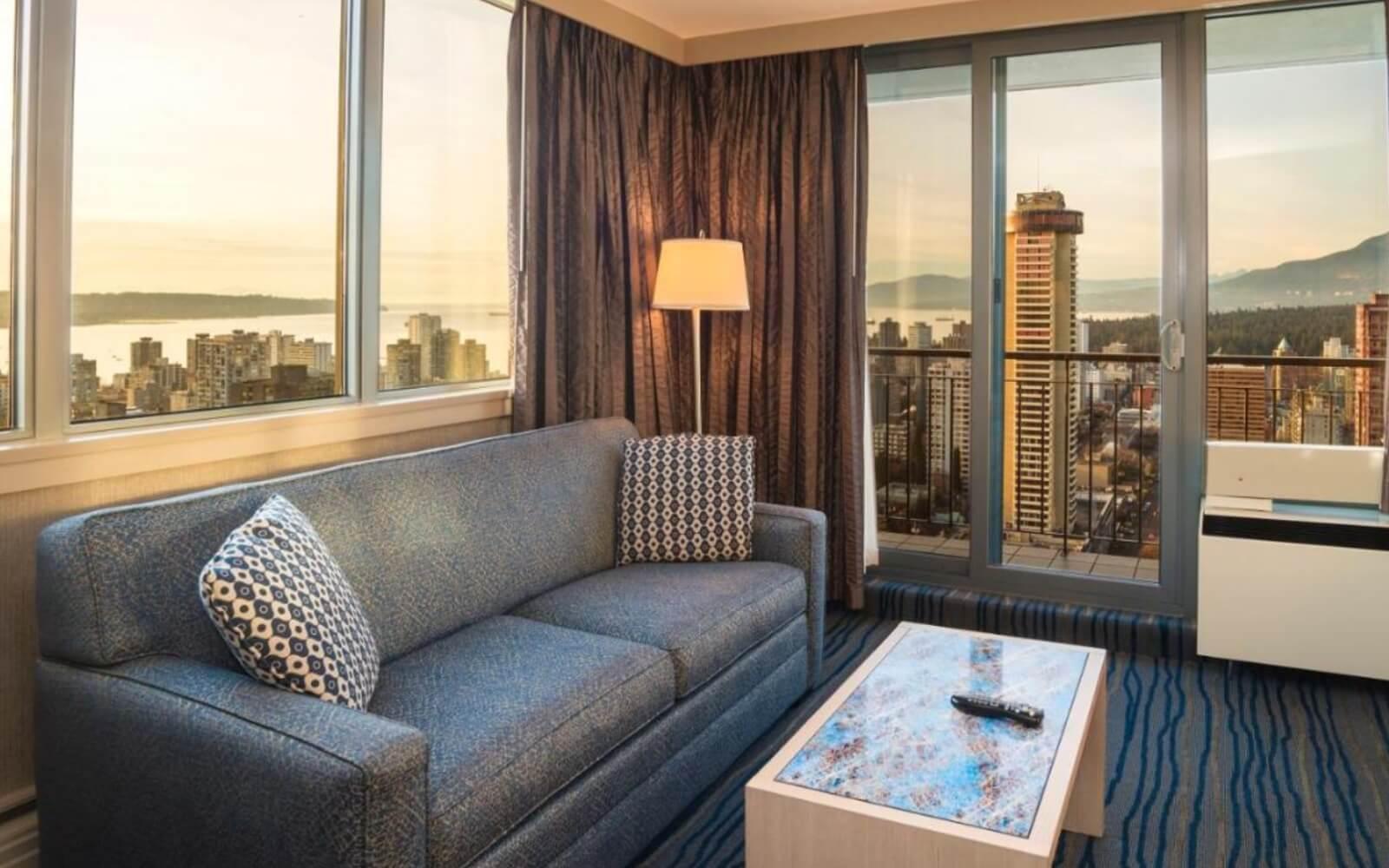 Suite, Blue Horizon Hotel Vancouver