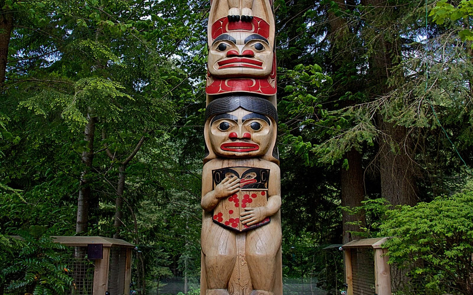 A totem pole at the Capilano Suspension Bridge