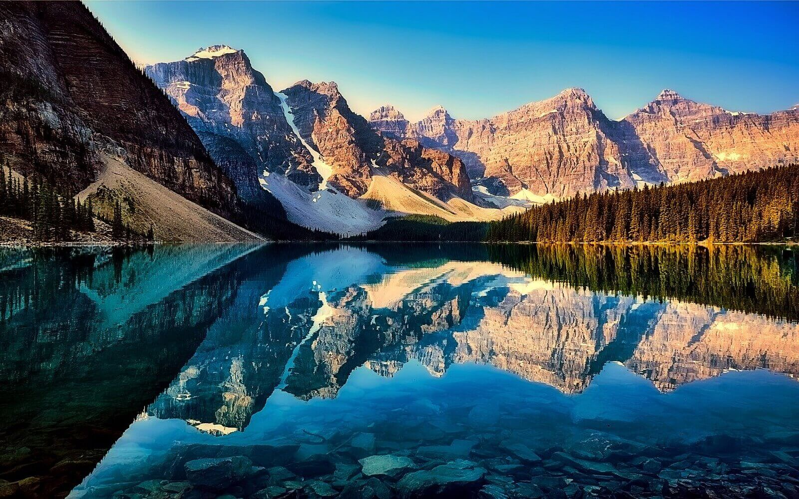 Lake Louise, Rocky Mountains Canada