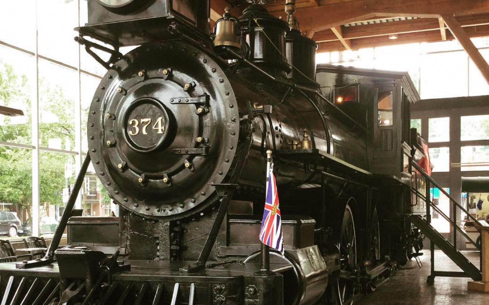 The Engine 374 Pavilion, Yaletown